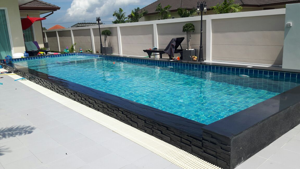 Green Ville Swimming pool