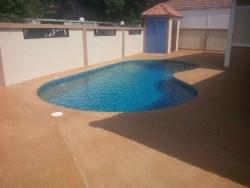 Raviporn Village swimming pool