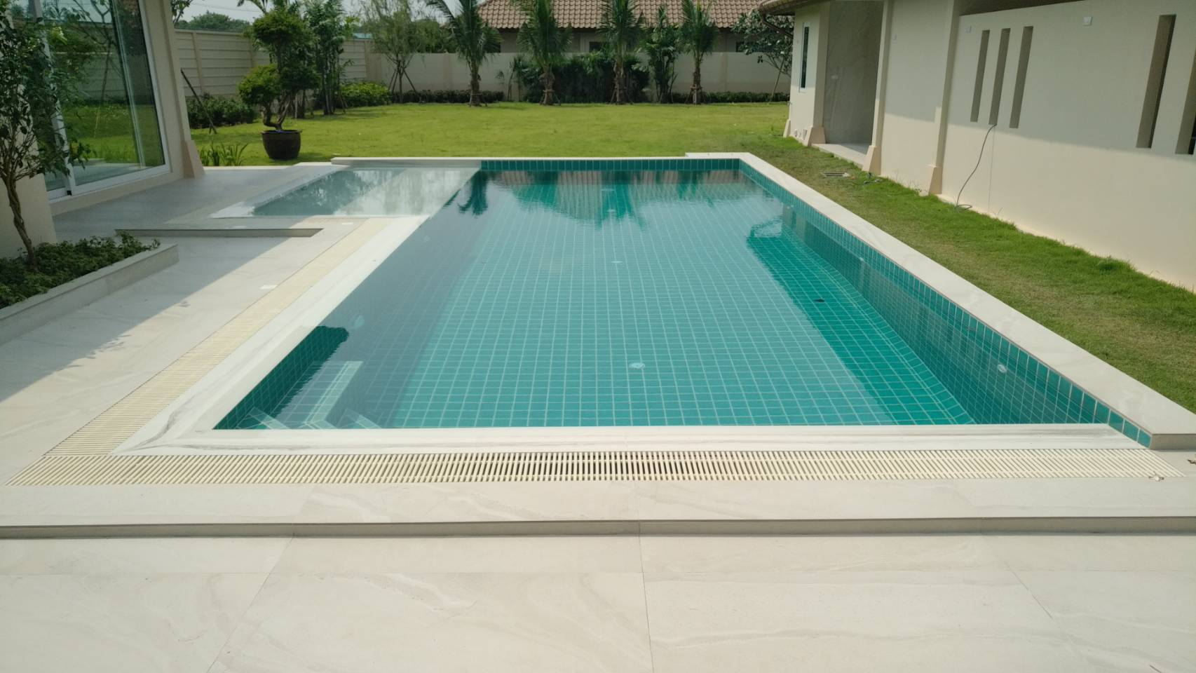 Balina 4 Swimming Pool
