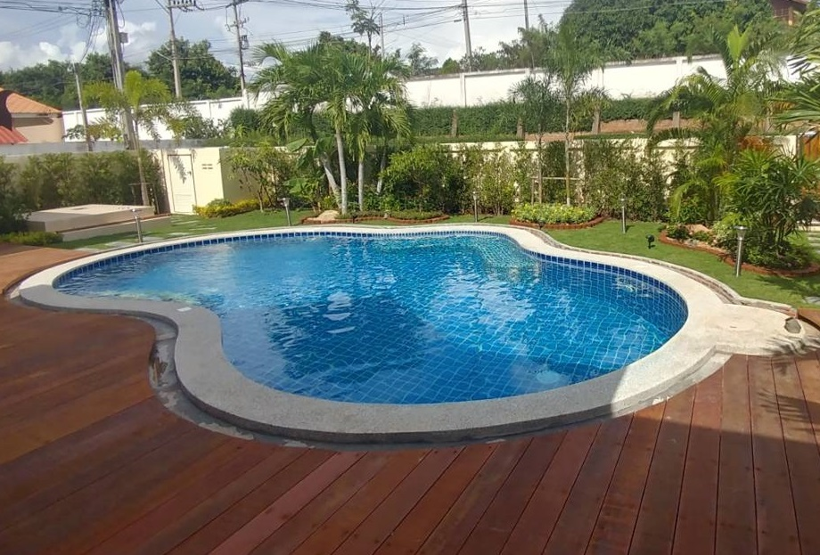 Swimming Pool at Suan Niramit Village