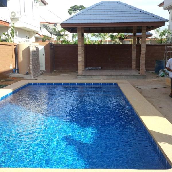 Dusit Pattaya swimming pool