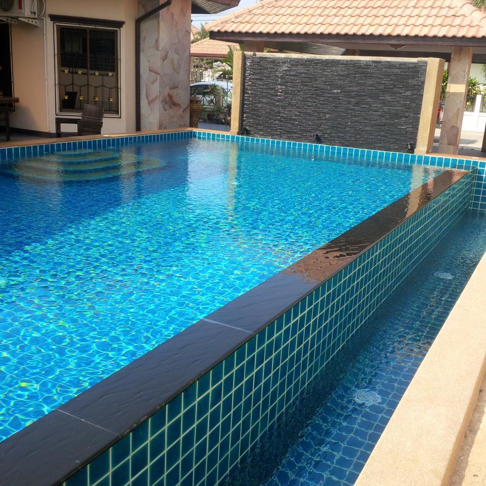 Swimming Pool at Baan Srisuk Pattaya